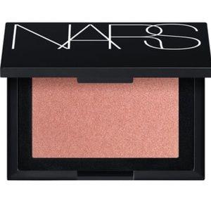 ✨ NARS Highlighting Powder